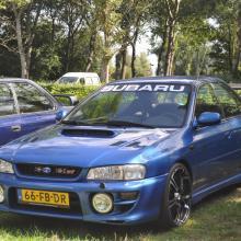 Subaru Impreza (2.0 GT Turbo 555 AWD)